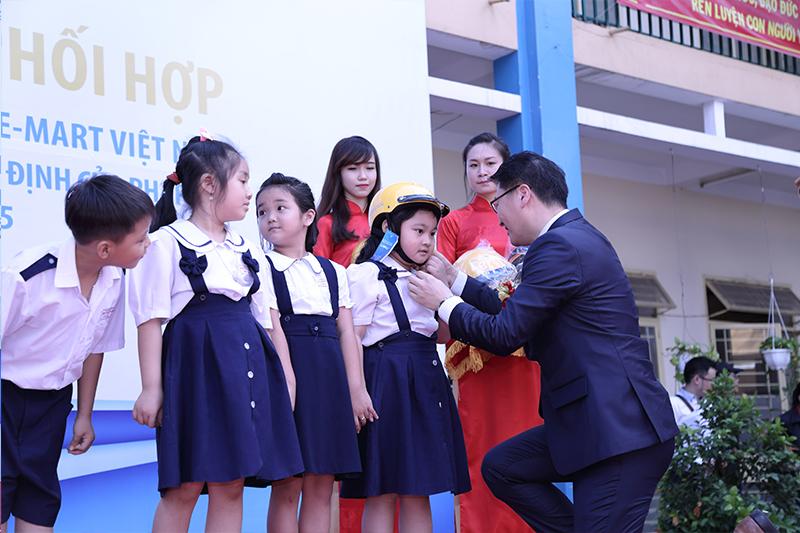 Tang-50000-non-bao-hiem-cho-hoc-sinh-tieu-hoc-3