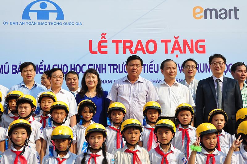 Tang-50000-non-bao-hiem-cho-hoc-sinh-tieu-hoc-6